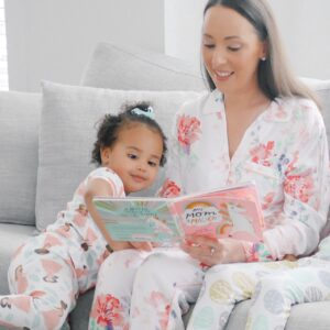 mom reading book to kids